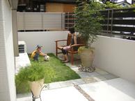 子供と過ごす小さなお庭