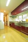 以前のキッチンは横幅が広いのに、収納の使い勝手がよくない等のお悩みを持たれて...