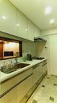 メンテナンス性と収納重視のキッチン。梁型と収納する物の量・サイズを考慮しスッ...