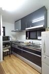 明るく快適に生まれ変わったキッチンスペース。リビング・ダイニングのスペース確...