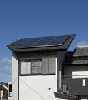昼間は太陽光で発電。耐震面を考慮し、ソーラーパネルは増築部分に設置。 夜間は...