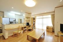 間取り変更でゆったりと暮らせる明るい二世帯住宅