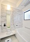 浴槽はTOTOのサザナを設置。ほっカラリ床に魔法びん浴槽・浴室暖房で冬でもあった...