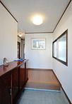 出窓には内窓を取付け断熱性能をアップ!防犯タイプの玄関ドアやセンサー付き照明...