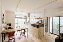 カフェのような家にリフォーム 自然素材で温かみある住まい