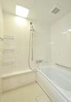 浴室はTOTOのマンションリモデルバスルームに取替え。魔法瓶浴槽やほっカラリ床で...