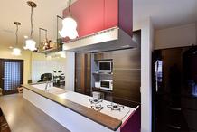 ジャズが似合うBar風キッチン 趣味を愉しむ住宅リフォーム