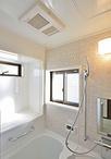 在来タイル張りで窓も多く寒かったお風呂は、ヤマハのユニットバス(ビュートリベ...