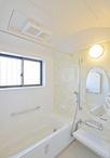 タイルの浴室からユニットバス(LIXILキレイユ)に。浴室暖房乾燥機の設置と窓を...
