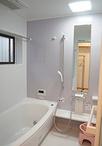 タイル貼りのお風呂から保温性能の高いシステムバスルーム(TOTO サザナ)に。冷...