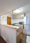 壁付け型キッチンからコンロとシンクが別々に分かれたⅡ型キッチン(クリナップ/...
