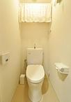 トイレは節水タイプのTOTO/ピュアレストQRに取替え内装も一新。扉は開閉がしやす...