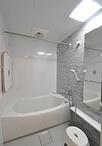 浴室はTOTO/マンション用ユニットバスに。「ほっカラリ床」や「魔法びん浴槽」で...