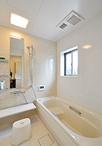 浴室・洗面脱衣室・トイレの水まわり3点は、広くスッキリと使えるよう旧北側の和...