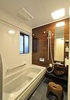 在来工法の浴室は、ユニットバス(TOTO/サザナHSシリーズTタイプ)にして1616サイ...