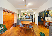 LDKは和室と洋室を取込みスペースを拡張。一角はご主人の書斎とウォークインクロ...