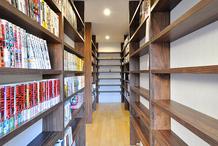 ご実家をリノベーションで図書館のような書斎がある住まいに