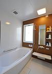 在来工法の浴室からユニットバス(TOTO/サザナ「1616サイズ、HSシリーズ」)に取...