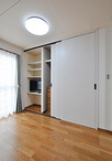 今までは2階を寝室としていましたが、1階中心に生活ができるよう移動。収納も大容...