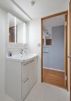 洗面化粧台はクリナップ/ファンシオ(W=750)に取替え。コンパクトながらもボール...