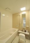 浴室は保温効果があり、掃除もしやすいユニットバスTOTO/サザナ(1616サイズ)に...