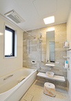 浴室はTOTO/サザナ(1618サイズ)を選択。ご主人こだわりの壁カラーと使いやすい...
