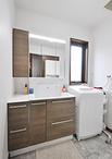 収納が増えて使いやすくなった洗面化粧台(TOTO/オクターブ、化粧台W750+収納W250...