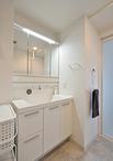 洗面化粧台は以前より横幅をコンパクトにしたLIXIL/L.C(W=900)に取替え。空いた...